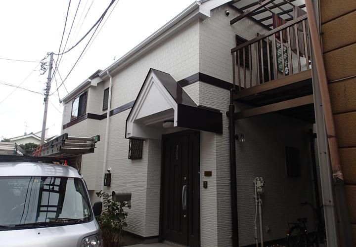 外壁塗装とシーリング補修工事が完工した鎌ケ谷市鎌ケ谷の2階建て邸宅