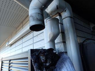 雨樋を取り外して清掃