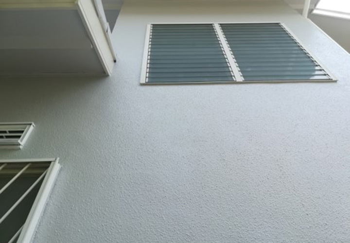 パーフェクトトップ(ND-400で塗装したモルタル外壁)
