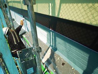 佐倉市江原で行った外壁塗装工事の中塗りは日本ペイントのパーフェクトトップを使用