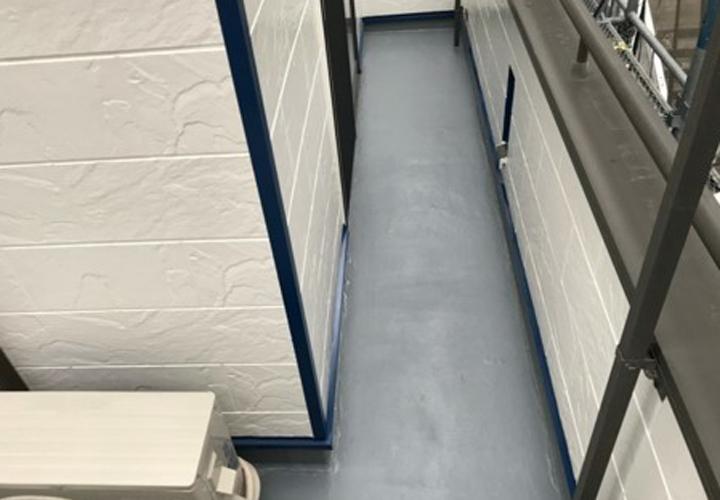 ベランダ床のトップコート塗替えが完了