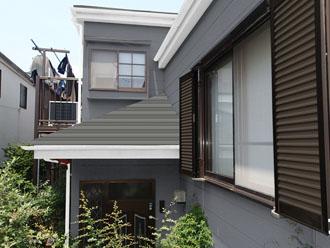 外壁:72-70D  屋根:シェイドチャコール