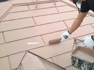 サーモアイSi クールビンテージローズでスレート屋根の上塗り