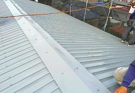 屋根波形施工完了