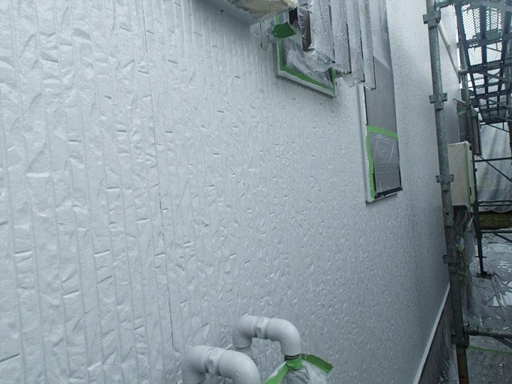 塗り終えたばかりの外壁
