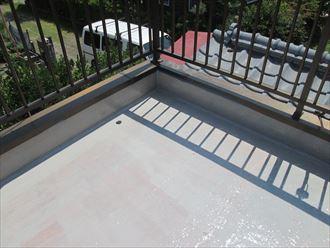 木更津市 防水層中塗り完了
