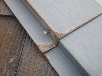 松戸市 屋根調査 板金の釘浮き