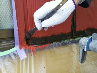富津市 雨戸の塗装 チョコの塗料で中塗り