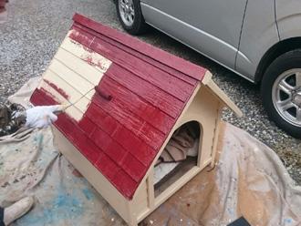 富津市 犬小屋の塗装