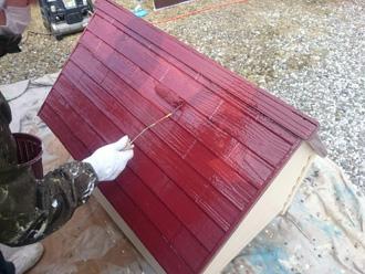 富津市 犬小屋の塗装 上塗り